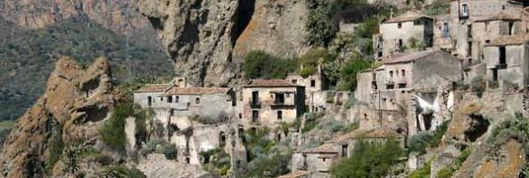 BELLEZZE DI CALABRIA: LA ROCCA DI SAN CRISTOFORO A PENTEDATTILO
