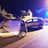 Scontro tra auto, donna morta e 3 feriti