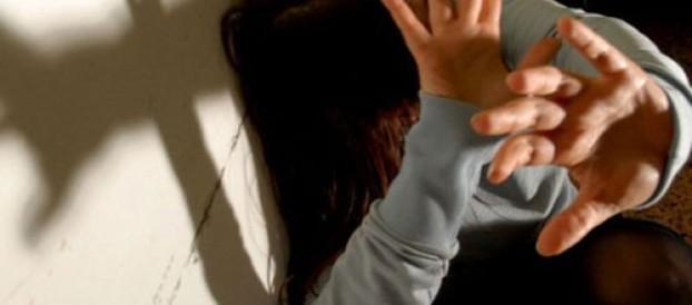 CALABRIA: SEGREGATA IN CASA E VIOLENTATA. INCUBO PER UNA DONNA INGLESE