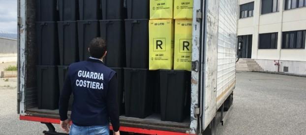 RIFIUTI DELL'OSPEDALE DI REGGIO TRASPORTATI IN SICILIA. 19 INDAGATI