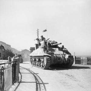 sherman-tank-in-Reggio, 3 September 1943 (Operation Baytown)
