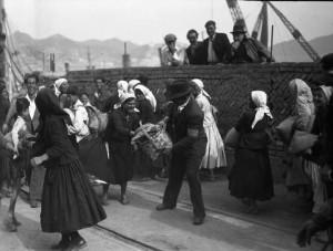 imbarco del traghetto ferroviario tra Reggio Calabria e Messina - bagnarote 1947_1