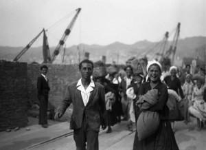 imbarco del traghetto ferroviario tra Reggio Calabria e Messina - bagnarote 1947_2