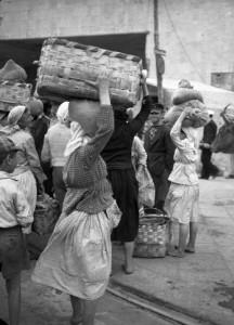 imbarco del traghetto ferroviario tra Reggio Calabria e Messina - bagnarote 1947_4