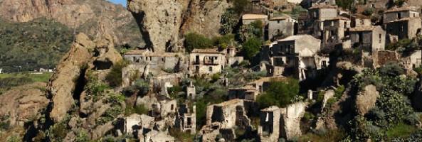 BELLEZZE DI CALABRIA: CHIESA DELLA CANDELORA A PENTEDATTILO