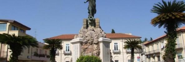 BELLEZZE DI CALABRIA: TRA PIAZZE E MONUMENTI DELLA MODERNA POLISTENA