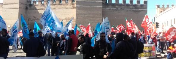 I PORTUALI DI GIOIA TAURO A ROMA PER DIFENDERE IL POSTO DI LAVORO